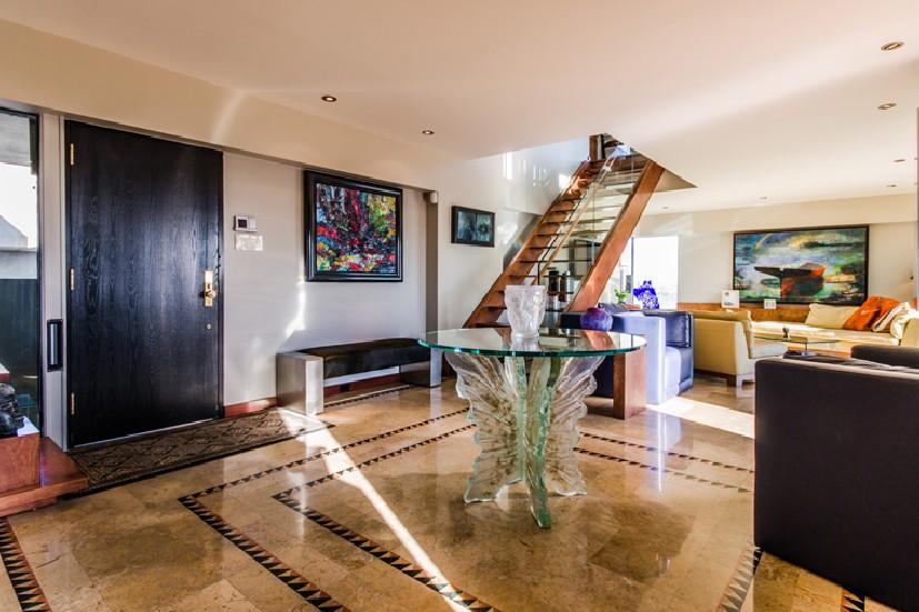 See photo album for Habitat 67 interieur